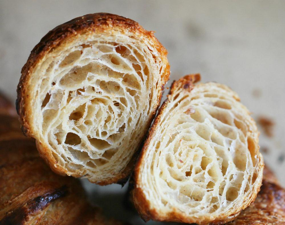 Croissants & pains au chocolat au levain liquide et farine complète
